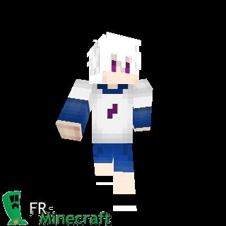 Garçon cheveux blancs et pull blanc et bleu